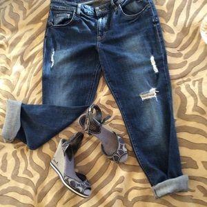 Guess boyfriend cropped boyfriend jeans